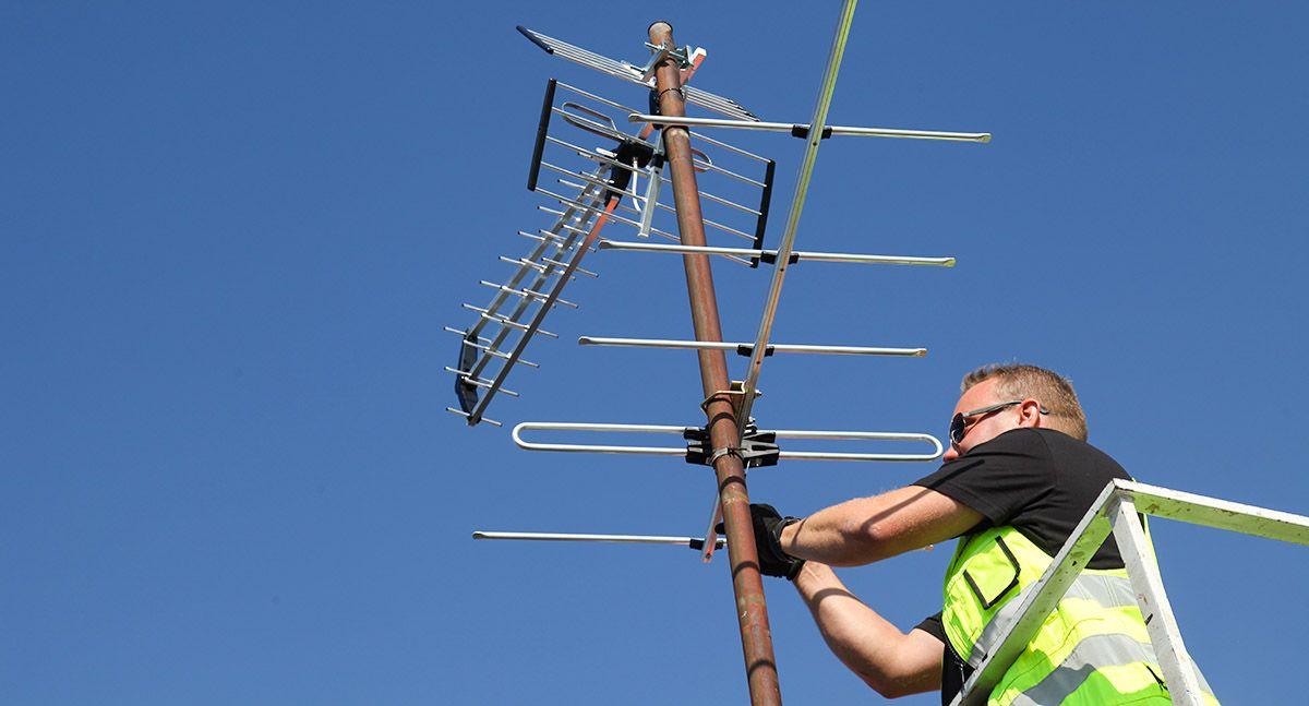 Parhaan kuvanlaadun saaminen saattaa edellyttää antennin suuntauksen tarkistamista. Kuva Mikko Arvinen.